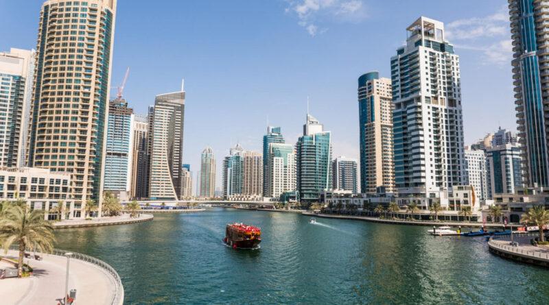 Dubaj hlavní město Spojených arabských emirátů
